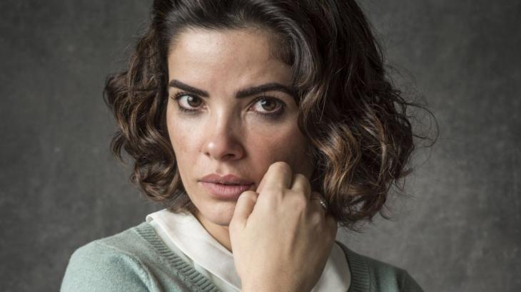 Stella (Vanessa Giácomo) descobrirá a verdade sobre o marido - Foto: Reprodução