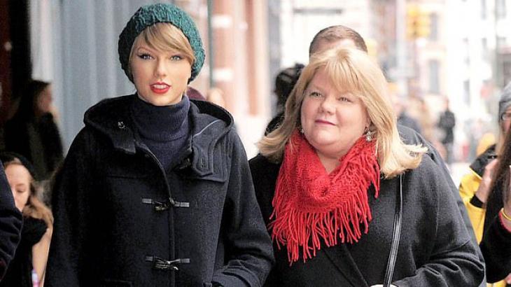 Taylor Swift ao lado de sua mãe - Reprodução/Instagram