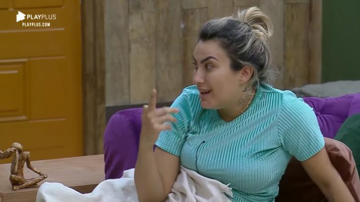 Thayse Teixeira durante o reality show A Fazenda 2019 (Reprodução)