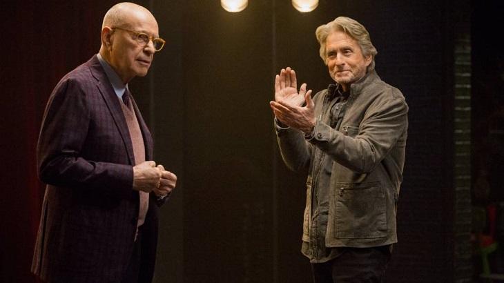 Estrelada por Michael Douglas, The Kominsky Method é renovada pela Netflix