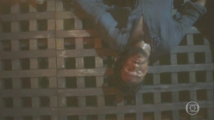 Novo Mundo: Thomas reaparece na Corte e é morto por Fred Sem Alma