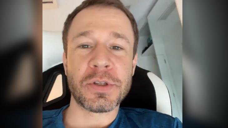 BBB21: Tiago Leifert diz que internautas erram em chutes do camarote