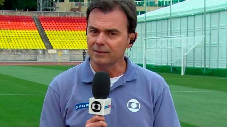"""Fora da Globo após 35 anos, Tino Marcos ganha homenagem e chora: \""""Passa um filme\"""""""