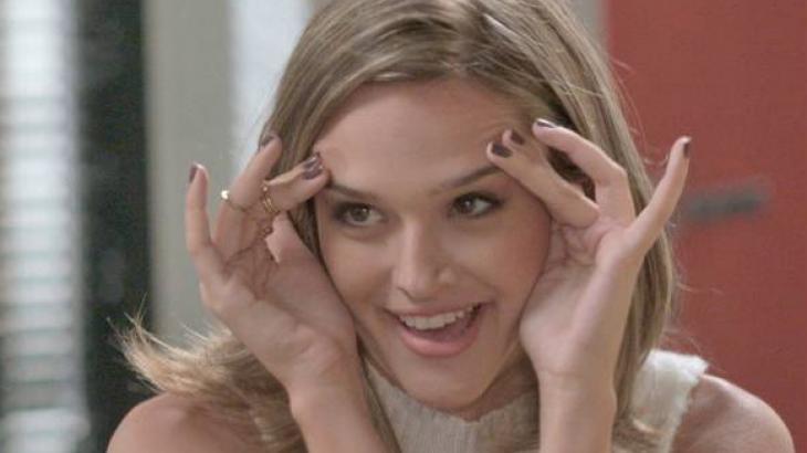 Totalmente Demais: Débora fica doente com romance entre Cassandra e Fabinho
