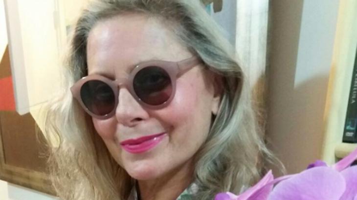 Vera Fischer posta foto para mostrar que está bem após alta de hospital