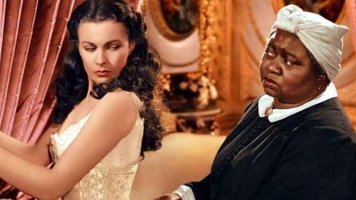 Primeira atriz negra a ganhar um Oscar, Hattie McDaniel (Mammy) de ... E o Vento Levou (1939) precisou de autorização para entrar no The Ambassador Hotel, em Los Angeles, e esperou do lado do salão até que a categoria pela qual concorria fosse anunciada.