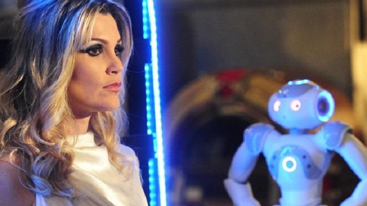 Fina Estampa: Trama de Lília Cabral com Caio Castro gerou briga entre autores da Globo