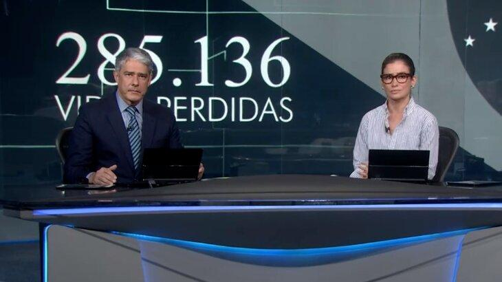 William Bonner e Renata Vasconcellos sérios na bancada do Jornal Nacional