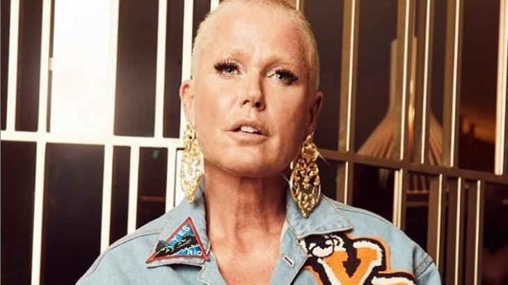 """Fã sugere que Xuxa deve voltar para a Globo e leva resposta: """"A Globo é minha história mais linda"""""""
