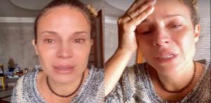 Maíra Charken chorando
