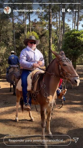 Zé Neto paga promessa e percorre mais de mil quilômetros montado em burro
