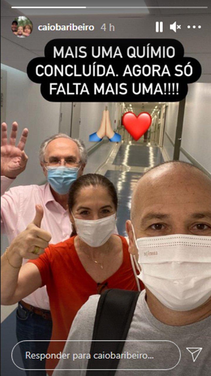 Caio Ribeiro festeja penúltima sessão da quimioterapia