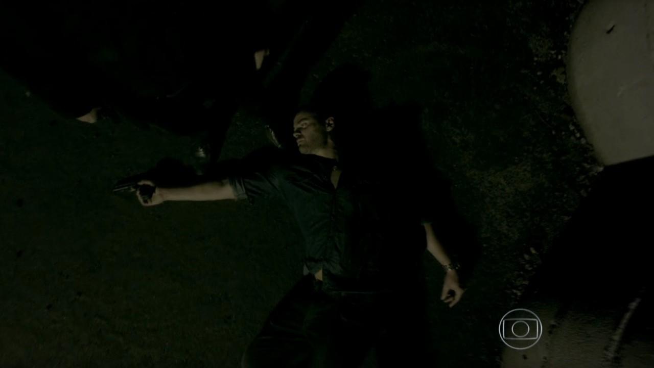 Império: José Alfredo tem embate final com Maurílio e atira
