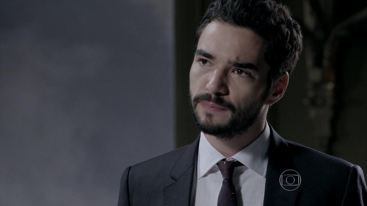 Império: José Alfredo assume comando da empresa e coloca filho pra correr