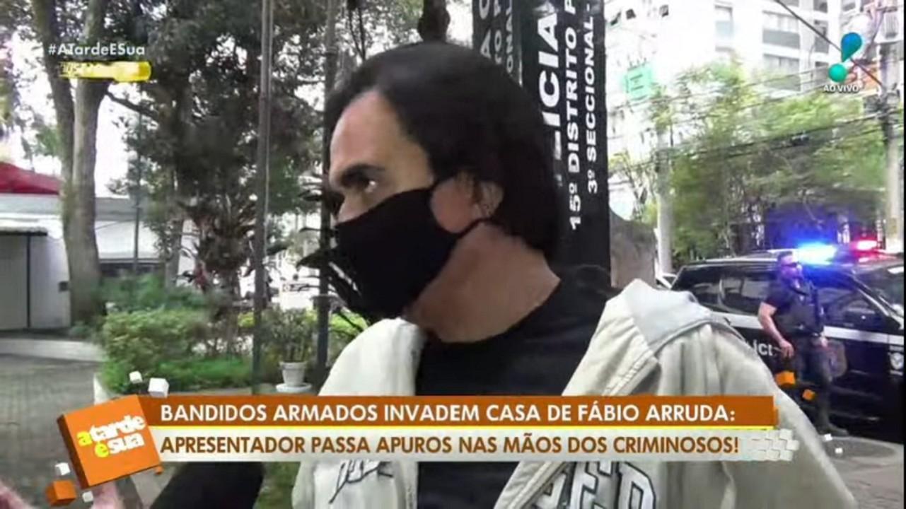 """Ex-participante de A Fazenda tem casa invadida por bandidos: \""""Comecei a gritar\"""""""