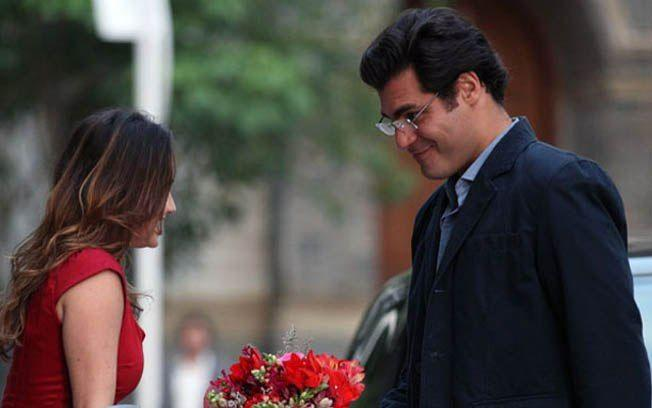 A Vida da Gente: Rodrigo não gosta de ver Ana e Lúcio juntos
