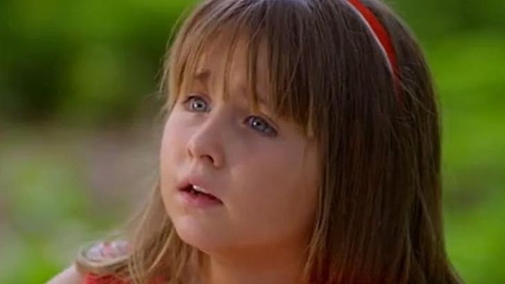 A Vida da Gente: Júlia faz fofoca sobre avó e deixa Lúcio transtornado