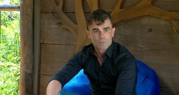 Jorge Souza durante o reality show A Fazenda 11