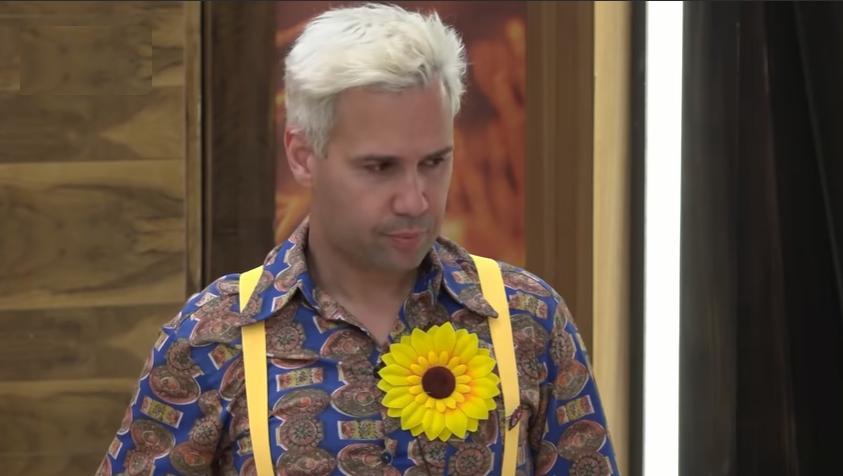 Viny Vieira não aguentou a cantoria do galo em A Fazenda 2019