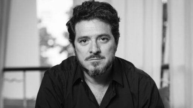 Guilherme Piva posa para foto