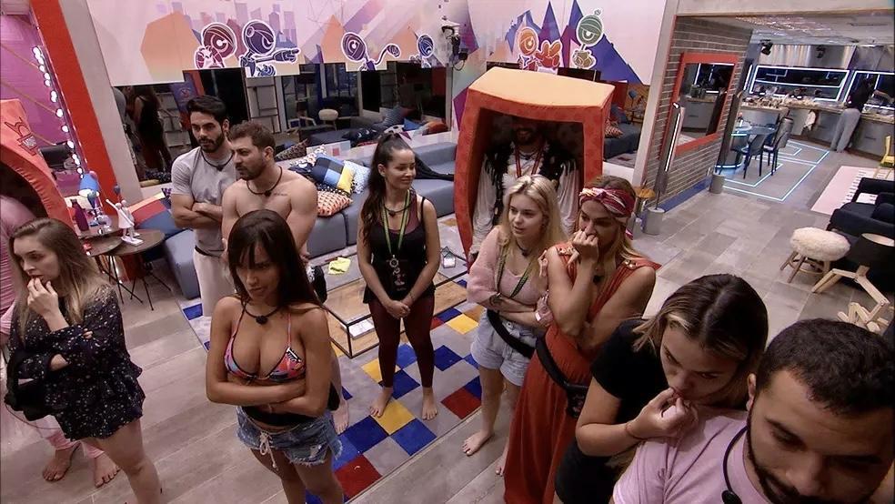 Participantes do BBB21 na sala