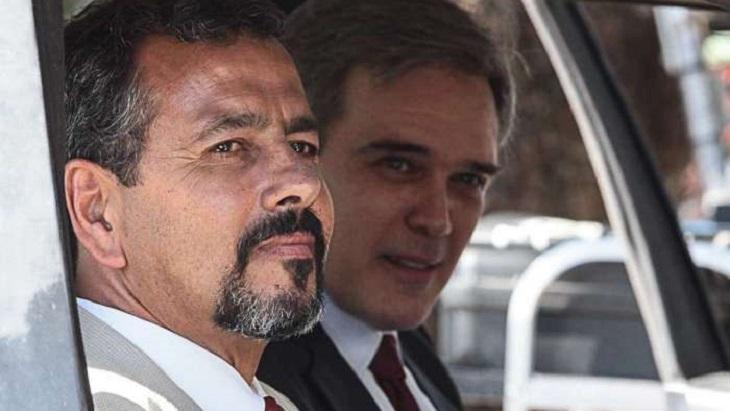 Dalton Vigh e Marcos Palmeira num carro