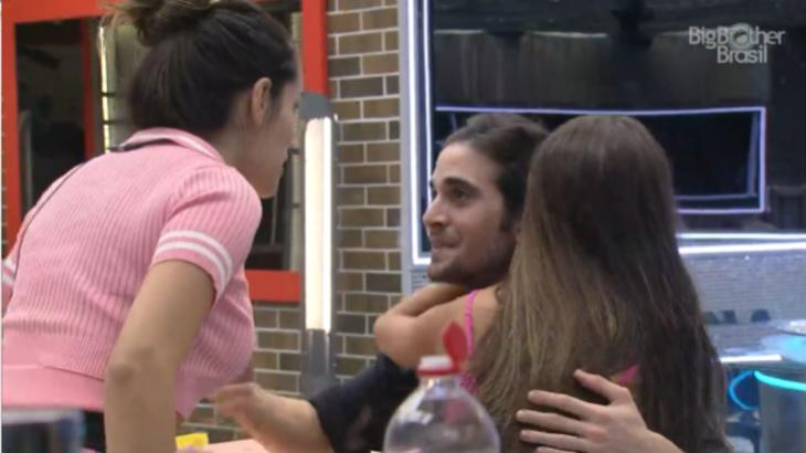 Juliette, Fiuk e Thaís na cozinha do BBB21