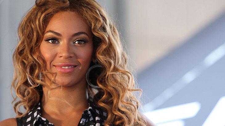 Novo filme do agente 007 pode ter música assinada por Beyoncé