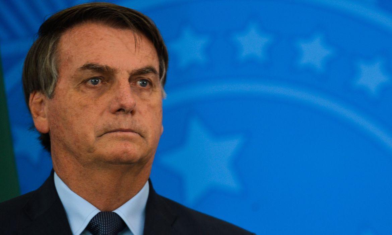 Bolsonaro bloqueia repórter da Globo