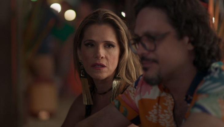 Silvana conversando com Mário em Bom Sucesso