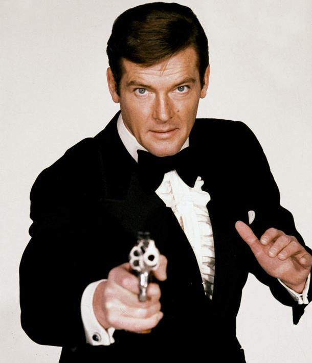 Morre Roger Moore, o terceiro James Bond, vítima de câncer
