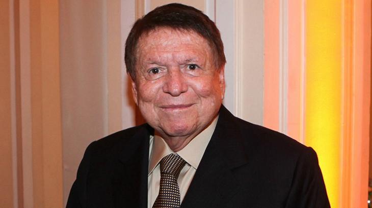 Globo prepara neto de Roberto Marinho para assumir sua direção geral
