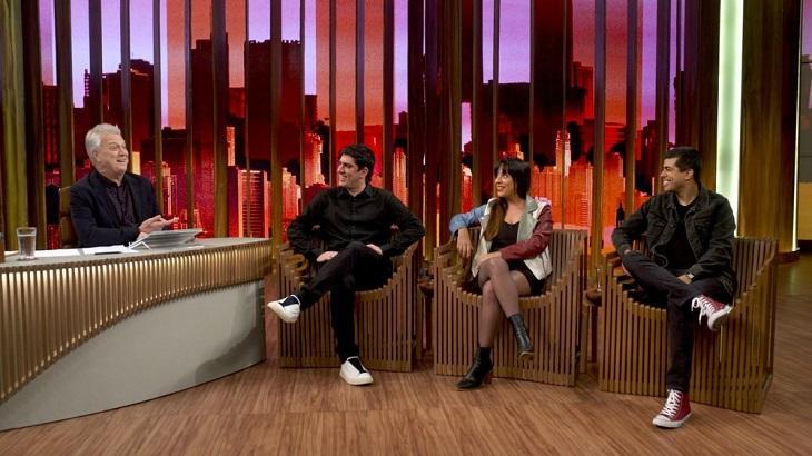 Marcelo Adnet, Marcius Melhem e Daniela Ocampo no Conversa com Bial