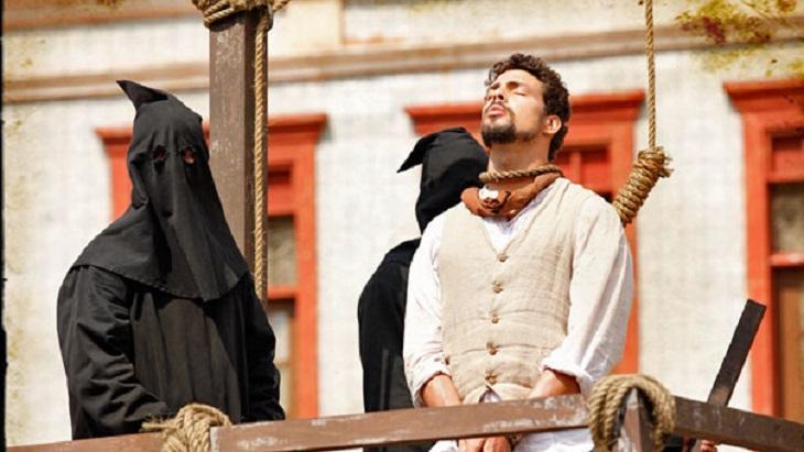 Beijo gay, enterro e Mar Vermelho: As cenas mais marcantes das novelas na década