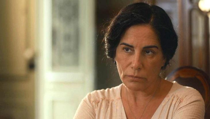 Dona Lola em cena de Éramos Seis