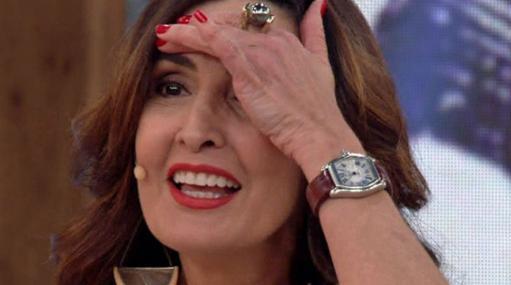 Fátima Bernardes faz expressão de surpresa no Encontro