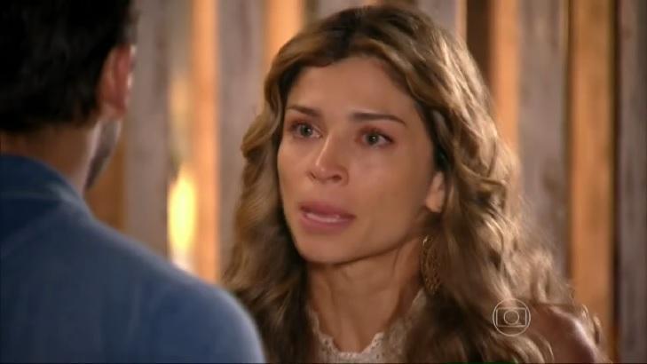 Cena de Flor do Caribe com Ester chorando desesperadamente