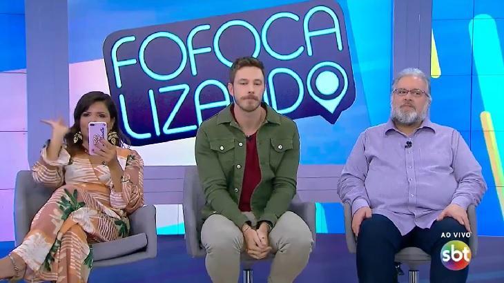 Mara Maravilha, Gabriel Cartolano e Leão Lobo no estúdio do Fofocalizando