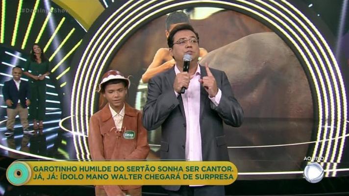 """Quase um ano depois, \""""Domingo Show\"""" repete pauta de Rodrigo Faro"""