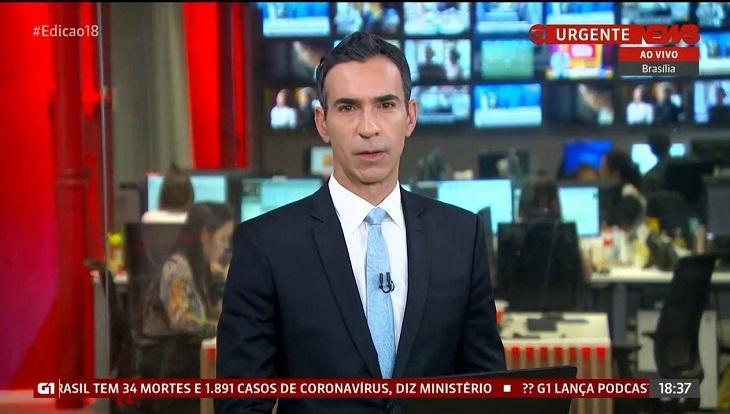 Cesar Tralli apresentando um jornal na Globonews