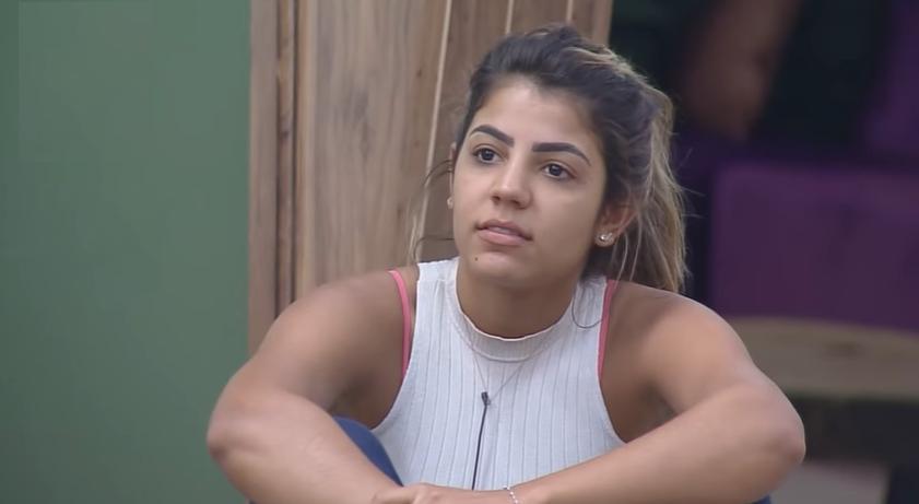 Hariany Almeida durante o reality show A Fazenda 2019