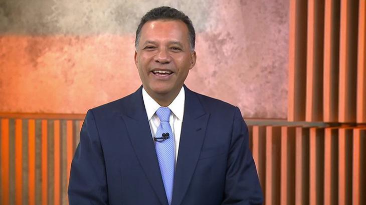 Heraldo Pereira comando o Jornal das 10 na GloboNews