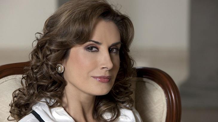 Cena de Quando me Apaixono com Julieta Rosen caracterizada de Regina