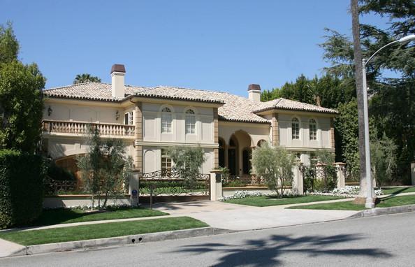 Apresentador dos EUA se separa pela sétima vez e casa vai à venda por R$ 70 milhões