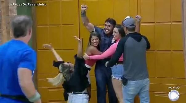 """Sabrina Paiva e Aricia Silva perderam a prova do Fazendeiro e enfrentam a roça em """"A Fazenda 11"""""""