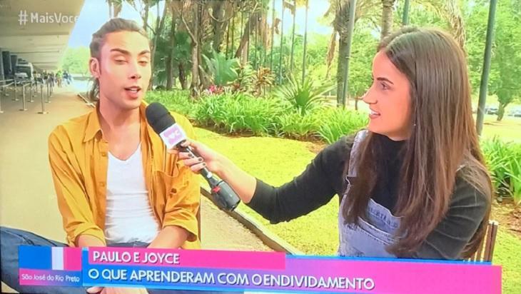 """Mari Palma entrevista jovem durante o """"Mais Você"""""""