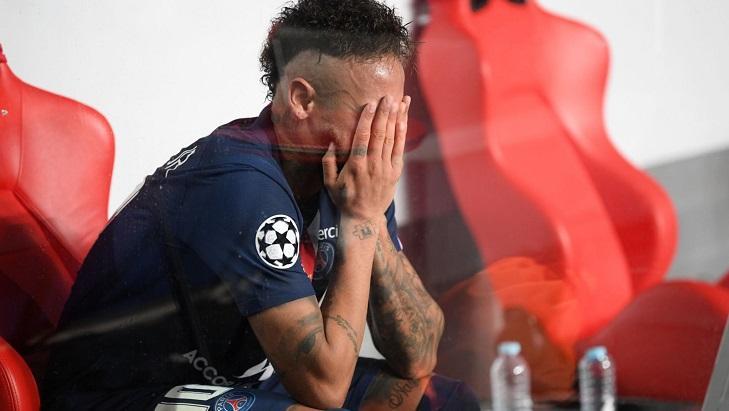 Neymar arrasado após perder a Champions