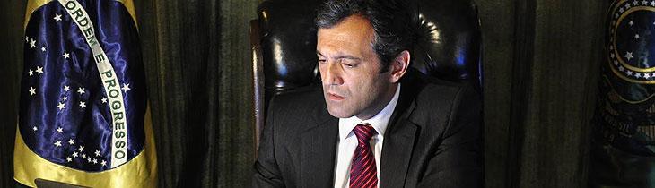 Assim como Jair Bolsonaro, presidentes de séries também já enfrentaram problemas de saúde; relembre