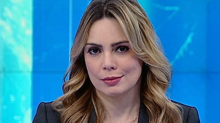 Rachel Sheherazade olhando para a câmera durante o SBT Brasil