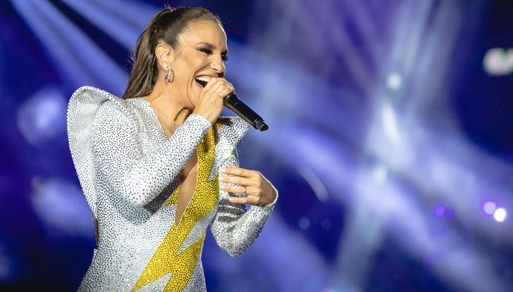 Ivete Sangalo cantando no palco do Rock in Rio